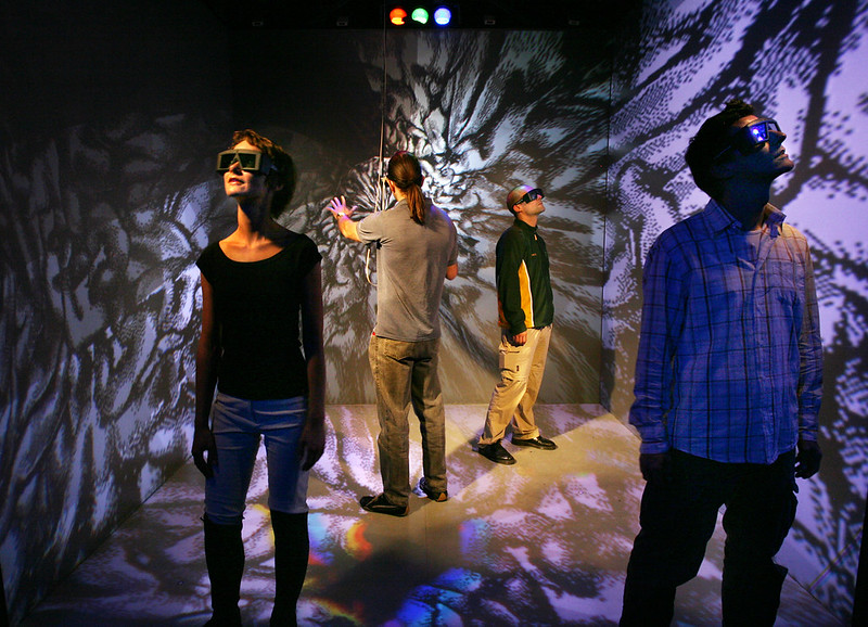 """Cave"", a Virtual Reality installation by Peter Kogler, Franz Pomassl and the Ars Electronica Futurelab, as photographed by Pilo."